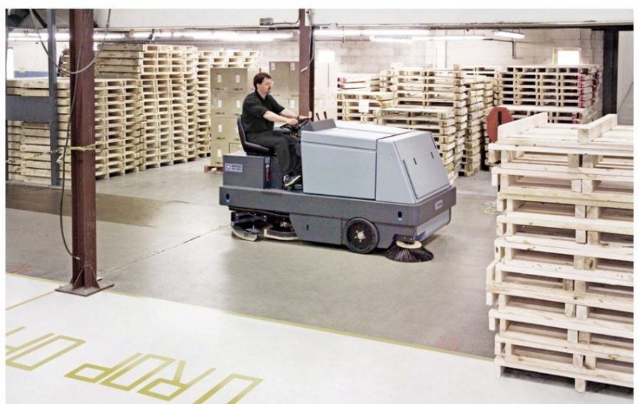 CR1500 - Combination Sweeper / Scrubber-Dryer - In Action