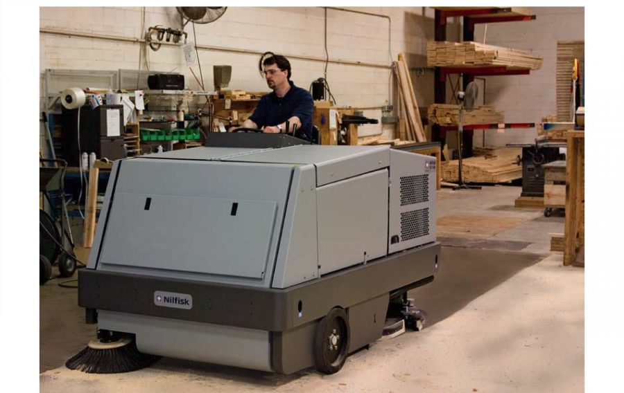 CR1500 Combination Sweeper / Scrubber-Dryer - In Action