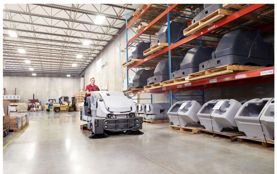CS7010 Combination Sweeper / Scrubber-Dryer - In Action