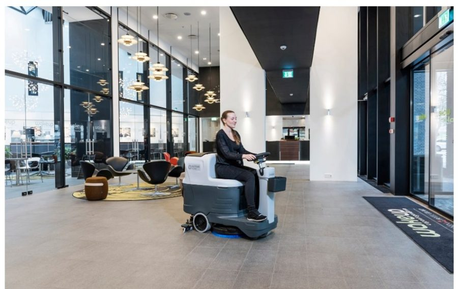 SC2000 Industrial Ride-On Scrubber-Dryer - In Action